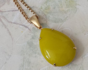 Chartreuse Teardrop Necklace, Pendant Necklace, Yellow Rhinestone Necklace, Yellow Teardrop Necklace, Vintage Inspired Necklace