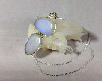 Rainbow moonstone pendant. Moonstone pendant. Moonstone necklace. Sterling silver. Moonstone jewelry. Moonstone jewellery. Gemstone necklace