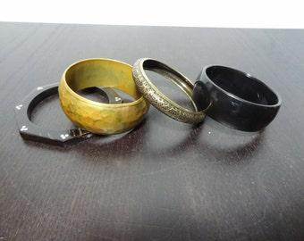 Vintage Bangle Bracelets Set of 4 - Retro/Boho Style