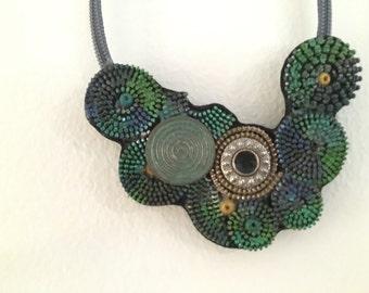 Original necklace - wheels and closures