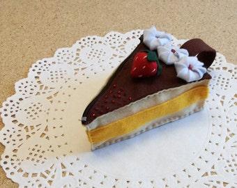felt purse, felt cake whit strawberry