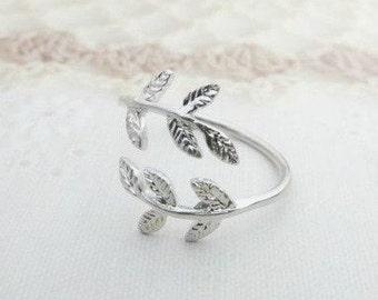 Vintage   Fontaine Laurel Ring