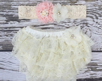 Newborn lace bloomer. Lace diaper cover. Baby Shower gift. Baby girl gift set. First baby picture outfit. Bloomer set.