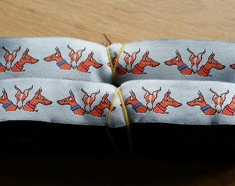 Ribbon featuring Podenco Heads