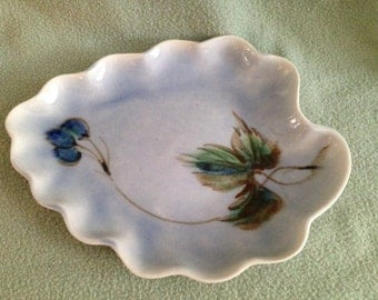 """Vontury Pottery Tray or Low Bowl 12 1/2"""" by 9 1/2"""" Blue Floral New Jersey"""