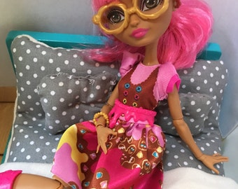 Doll Bedding for Barbie,Ever after high, Monster high and more.