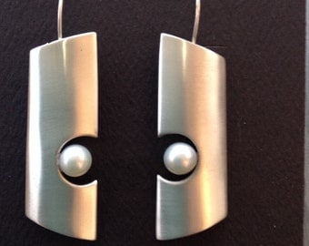 Brushed sterling earrings with pearls
