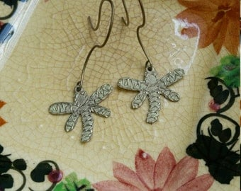 Pretty Metal Art Dragon Fly Earrings