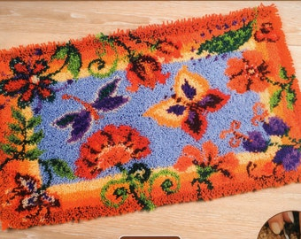 FLOWERS AND BUTTERFLIES Latch Hook Rug Making Kit, Brand New