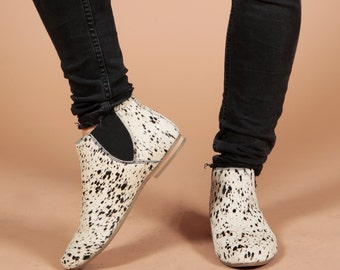 Hairon Leather Chelsea Print Slip On Ankle Flat Boots - Stormy White Black