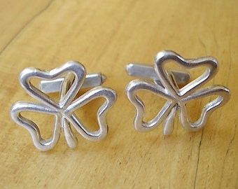 One Pair Of Irish Shamrock Cufflinks In Presentation Box