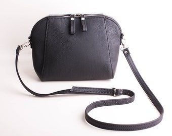 Black Crossbody bag Small purse Black purse Purse for travel Cross body purse Small bag Small shoulder purse Over the shoulder bag