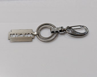 Keychain for Men, Razor Blade Key Fob, Men's Valentines Gift, Guy's Bag Charm, Wet Shavers Keychain Father's Day Birthday Gift for Him
