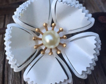 Vintage pearl white metal flower brooch