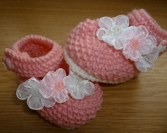 Pink baby booties, crocheted baby booties, baby booties, handmade baby booties, knitted baby booties