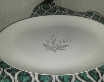 Very Nice Kaysons Fine Porcelain China Serving Platter in the Golden Rhapsody Pattern