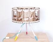 Karussell Tisch Lampe Kinderzimmer Dekor DIY Geschenk für Baby Shower Zirkus Tisch Lampe Zimmer Dekor drehbare Lampenschirm mit Pferde-Karussell-Pferde