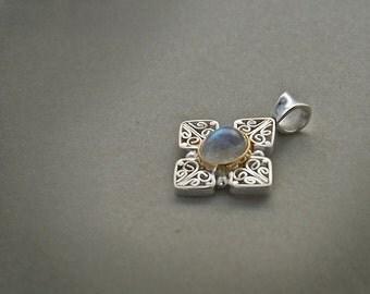 sterling silver pendant moonstone