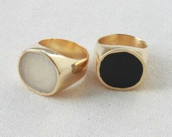 Black signet ring, Black signet ring gold plated, Black enamel stamp ring, Black and gold seal ring, Black ring