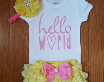 "Gold Glitter Vinyl ""Hello World"" Onesie, yellow and Pink Lace  Bloomers,& Headbnd Set, baby girl, newborn,hospital outfit,take home set"