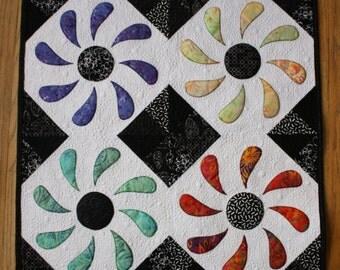 Flower Box Mini Quilt PDF Pattern