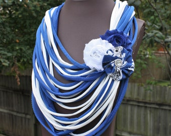 Indianapolis Colts Shredded Scarf with Flower Clip/Pin