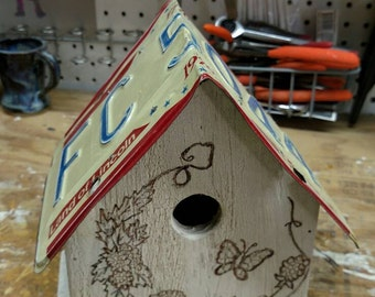 Licence plate Birdhouse, ready for any bird, or display. FREE SHIPPING!!