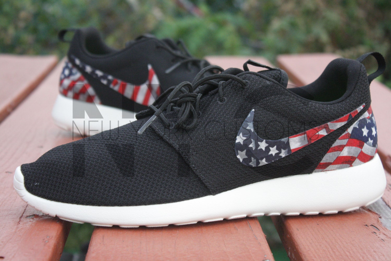 nike roshe run black anthracite american flag pride print. Black Bedroom Furniture Sets. Home Design Ideas