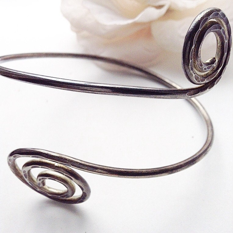 Arm Cuff Jewelry: Arm Bracelet Silvertone Armlet Silver Arm Cuff. Viking Arm