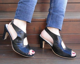 High heel leather handmade shoes / women shoes in  black leather / Model Agatha
