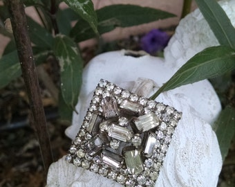 Classical 1940s White Rhinestone Brooch..Chunky with multi-layer..multi size stones
