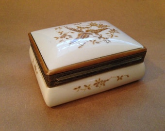 Vintage Porcelain Gold Trim Hinged Trinket/Jewelry Box - Boutique by Essay