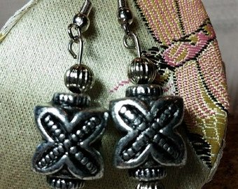 Vintage Silver X-Design Earrings Bead Stamp Metal Drop Charm Pendant Fashion Accessory