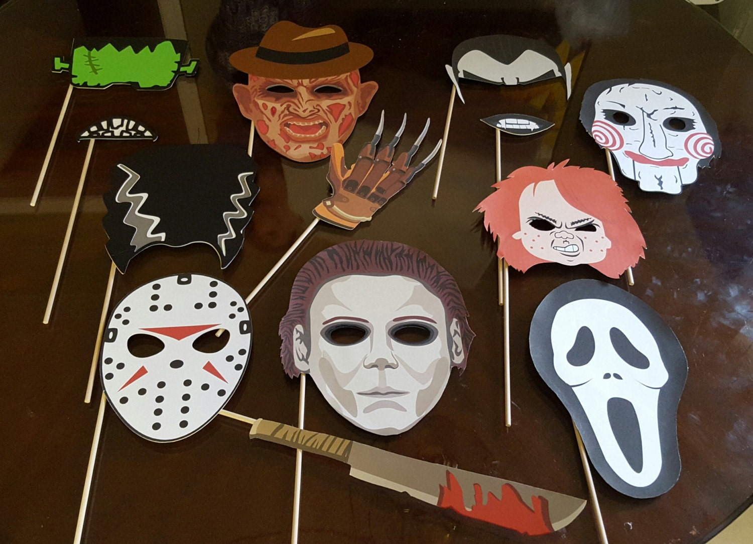 photo prop ideas for adults - Halloween horror movies photo booth props