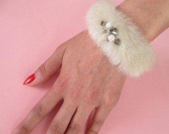 Removable Faux Fur Cuff in Dark Ivory with Pearl&Bijouterie / Cute Faux Fur Cuff / Bracelet / Wedding accessory /Sisters bridal /Birthday