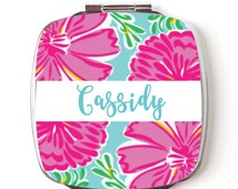 Bridesmaid mirror, Custom Bridesmaids Gifts, Personalized Compact Mirror, Floral Design, Wedding Party, Lilly