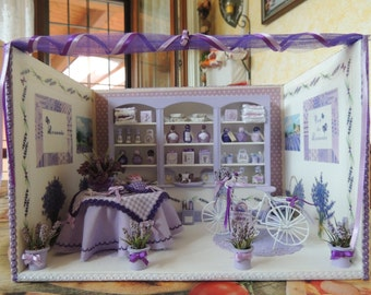 Roombox a miniature scale 1:12 Lavender Boutique