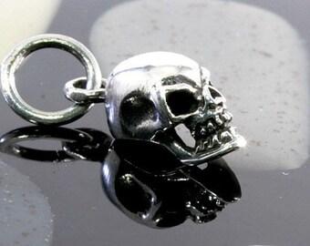 Skull pendant 925 sterling silver  -- 2046