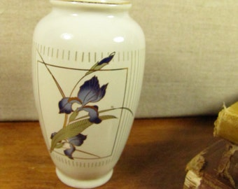 Otagiri Grand Iris Small Vase - Made in Japan