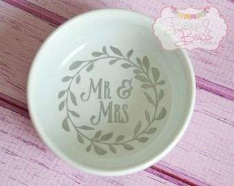 """VINYL """"Mr. & Mrs."""" Leaf Frame White Wedding Ring Holder Ceramic Bowl Heart - Made to Order"""