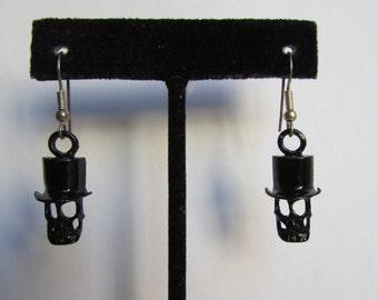 Vintage earrings- Skull with hat drop earrings/ Halloween earrings- 90s Jewelry