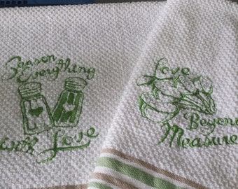 Embroidered Vintage Inspired Hand Towels (Set of 2)