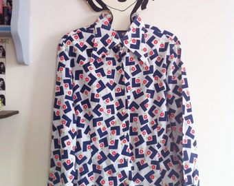 SALE! late 60s pointed collar buttoned blouse, long sleeves, mod floral print / small - medium