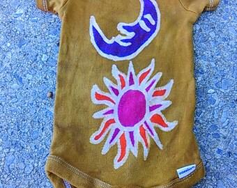 Moon / sun baby batik