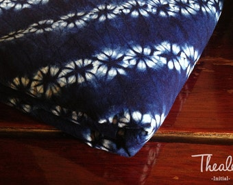 Shibori/Indigo/Cotton Fabric/Table runner/Tea towel/Inclined flower/Blue/Vintage/Natural hand dye/Plant dyes/Clothing/Tie dye/China/Thealese