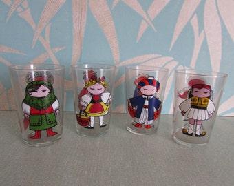 Vintage boxed set of Saint-Gobain KILT 'World Doll' water glasses/tumblers
