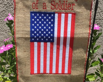 Burlap garden flag ... Proud family of a soldier