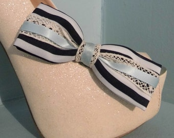 Beautiful Deeree Blue & Cream Bow Shoe Clips