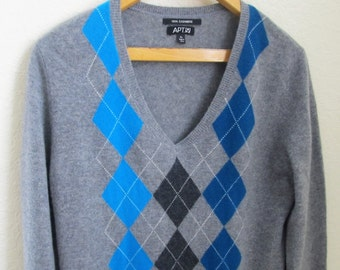 SALE ! Mens Cashmere(Sz.XL)Vintage Argyle Sweater-Apt.9-Classic V-Neck-Ribbed Accents-Solid Gray with Blue and Gray Tones Argyle Front-