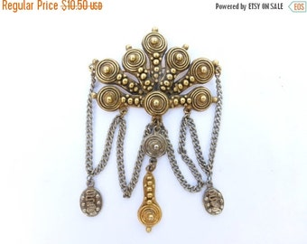 ON SALE vintage gold tone and silver tone fringe charm brooch AE51